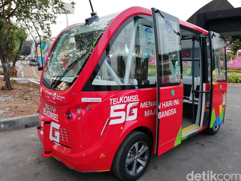 Bus otonom di GBK. Foto: Rizki Pratama