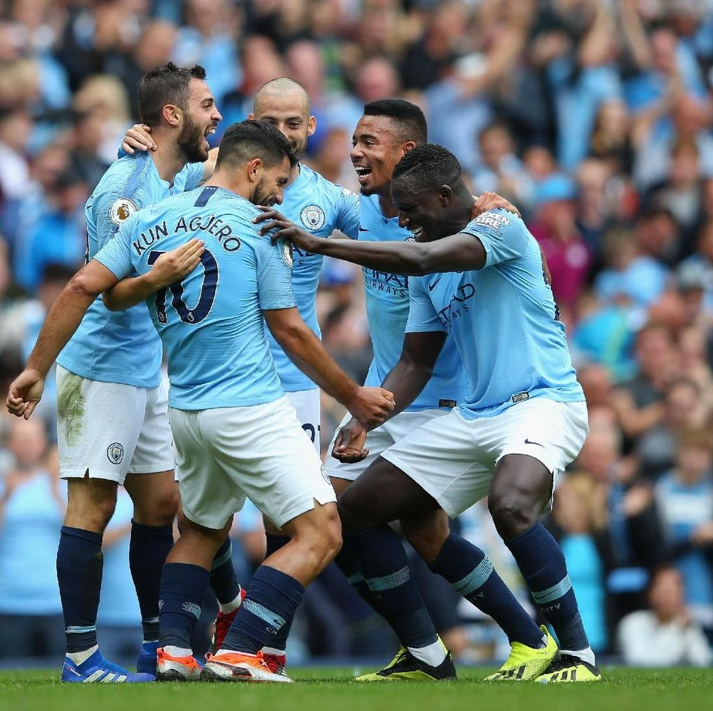 Guardiola Ungkap Taktik City Usai Bantai Huddersfield