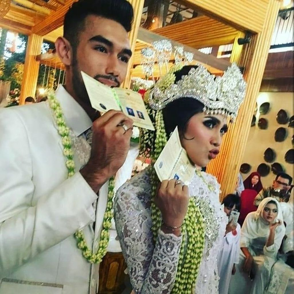<i>Just Married</i>! Potret Bahagia Raya Kitty dan Abid