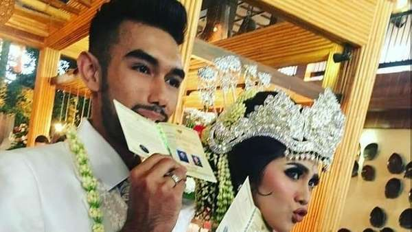 Just Married! Potret Bahagia Raya Kitty dan Abid
