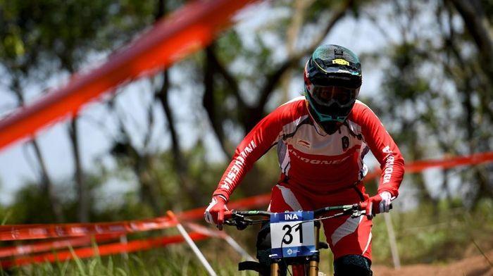 Tiara Andini Prastika meraih medali emas ketiga buat Indonesia di Asian Games 2018 (Foto: Aji Wisnu Novianto/ANTARA FOTO/INASGOC)