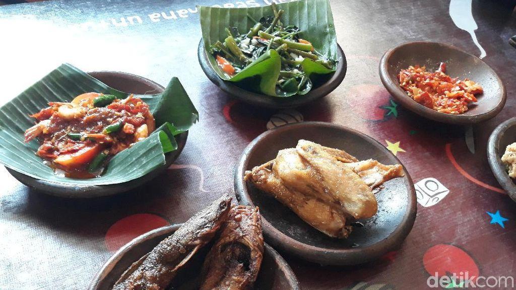 Waroeng SS: Tersengat Sambal Pusing plus Ayam Goreng kampung Juicy