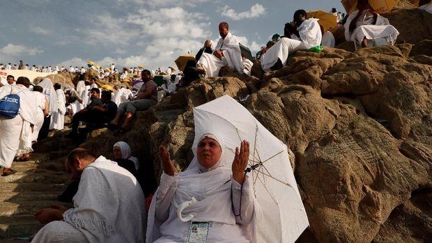 Mengapa Perkembangan Keuangan Syariah RI Lambat?