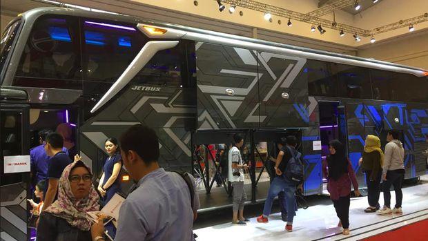 Perusahaan karoseri yang bermarkas di Malang, Adi Putro punya model bus Ultra High Deck (UHD).