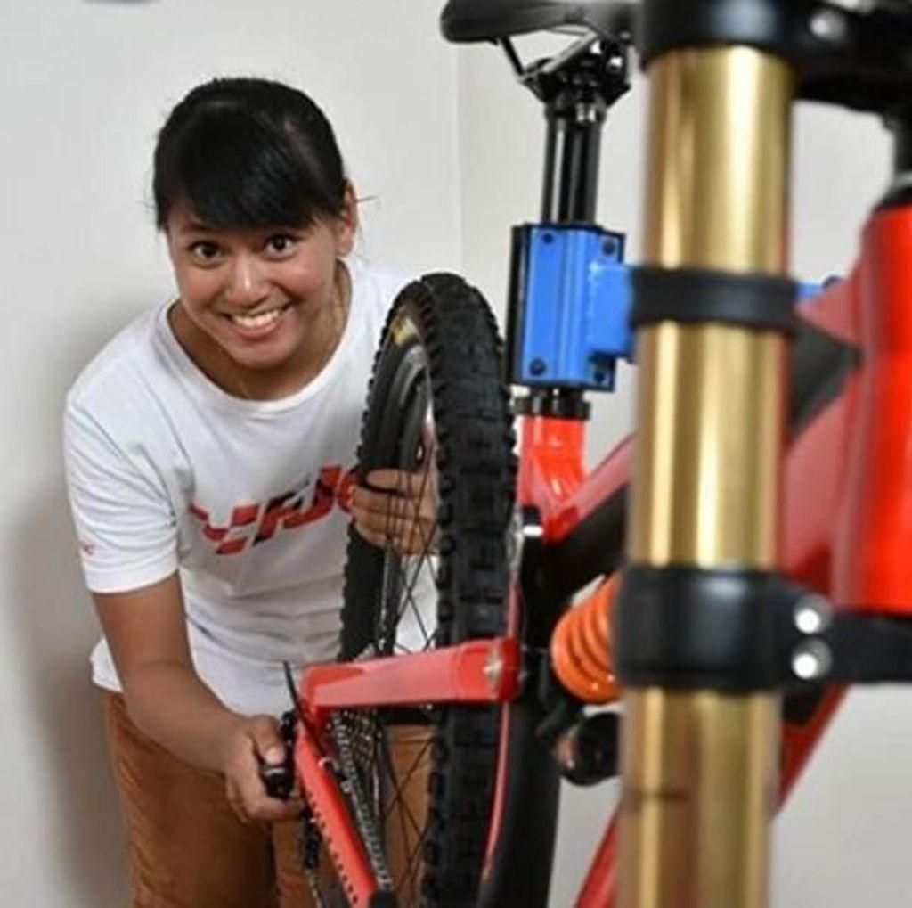 5 Tips Kenalkan Downhill MTB pada Anak agar Sejago Tiara Andini