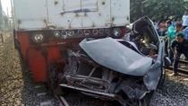 Tabrakan Kereta Vs Mobil di Bekasi, Sopir Tewas