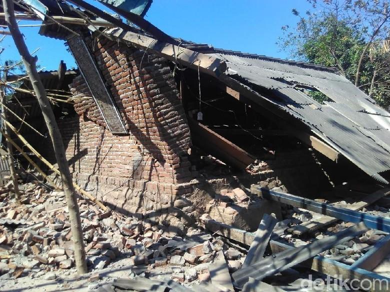10 Orang Tewas Akibat Gempa 6,9 SR di NTB