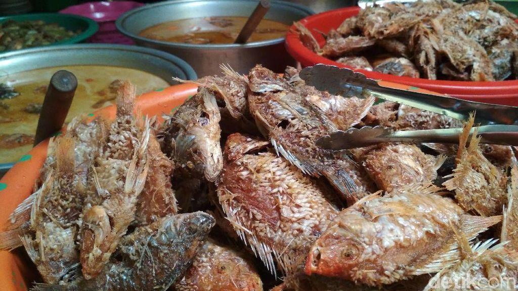 Krenyes  Renyahnya Ikan Wader di Warung Mak Ti Bikin Nagih