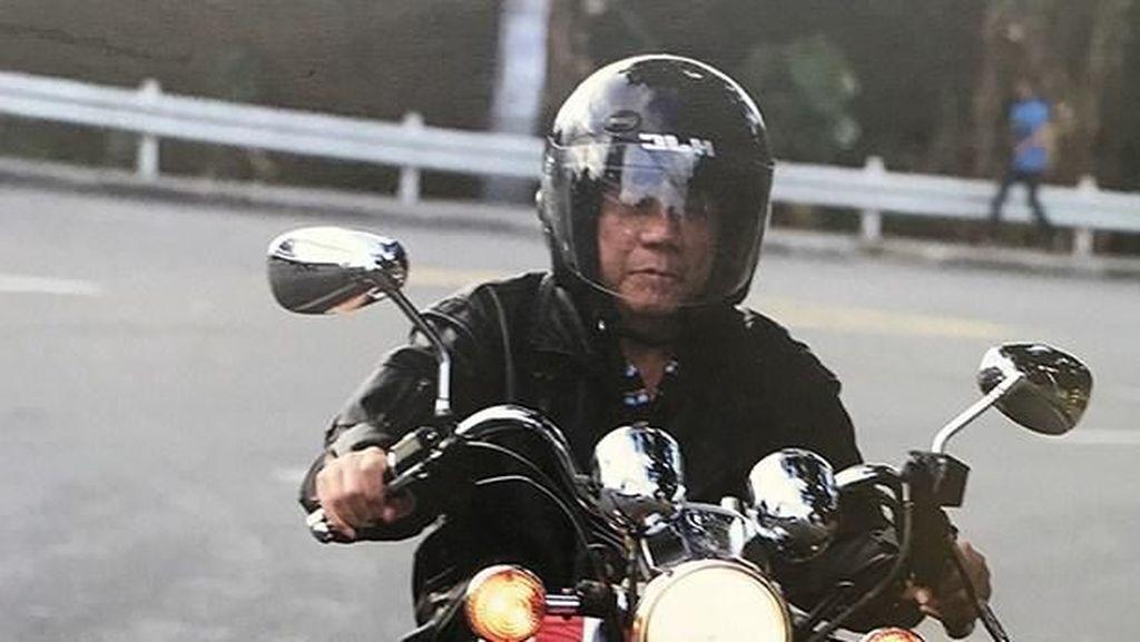 Jadi Presiden, Duterte Tak Bisa Bebas Naik Motor Kayak Jokowi