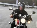 Salut! Naik Motor Nggak Pakai Helm Duterte Minta Ditilang Polisi