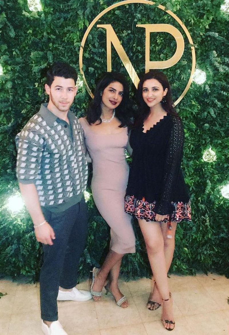 Parineeti Chopra ikut hadir dalam upacara pertunangan tradisional Priyanka Chopra dan Nick Jonas di Mumbai, India (parineetichopra/Instagram)