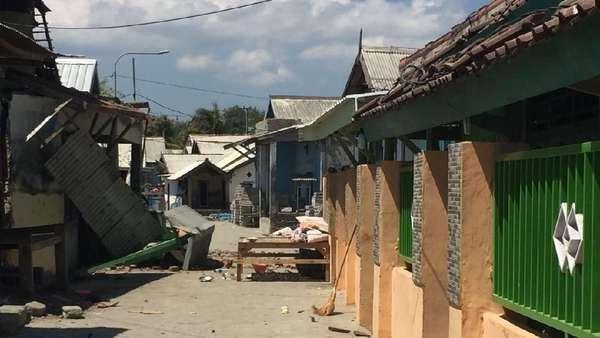 Detik-detik Mencekam di Poto Tano Saat Gempa 6,9 SR