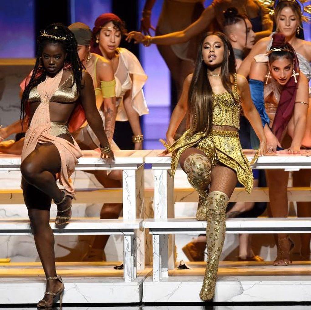 Nasib Lagu Pete Davidson Setelah Ariana Grande Putus