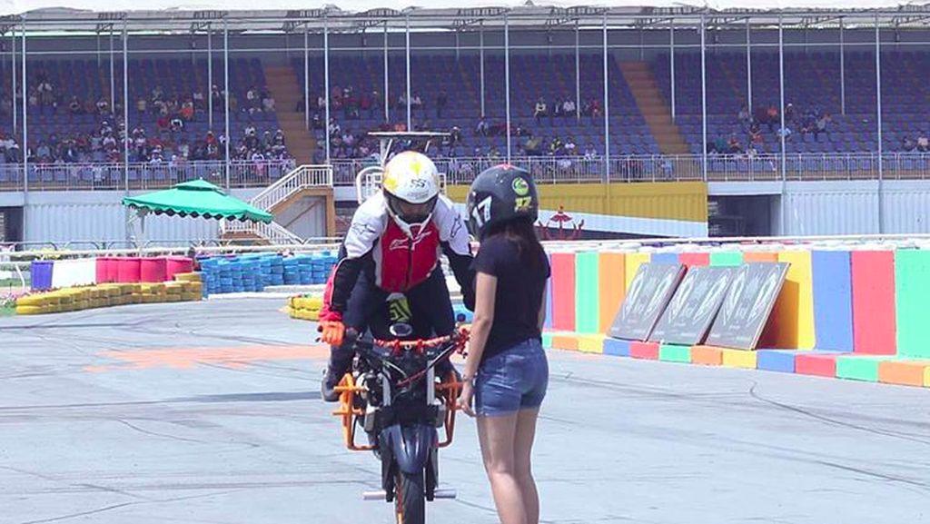 Belum Pro Freestyle Pakai Motor Nggak Usah Gaya!
