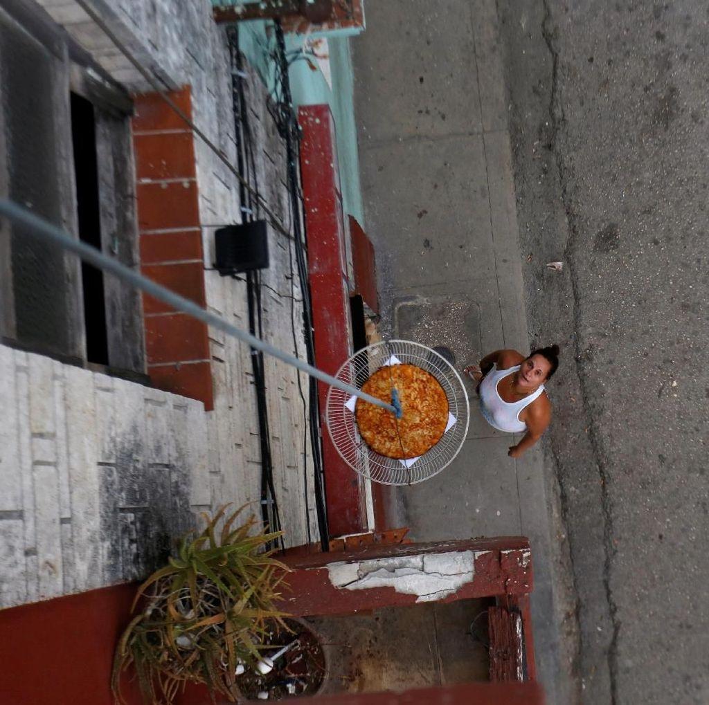 Melihat Proses Pembuatan Pizza Unik di Kuba