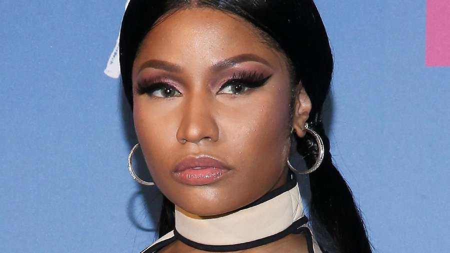 Nicki Minaj Kenakan Dress atau Bikini di MTV VMA 2018?