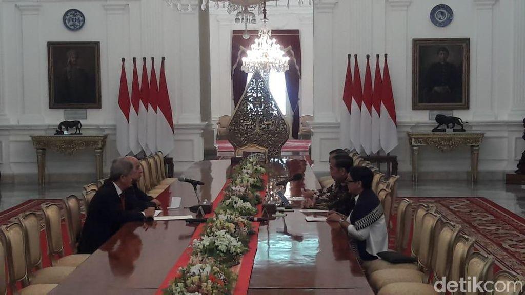 Jokowi Terima Ketua Komite Olympic Palestina di Istana