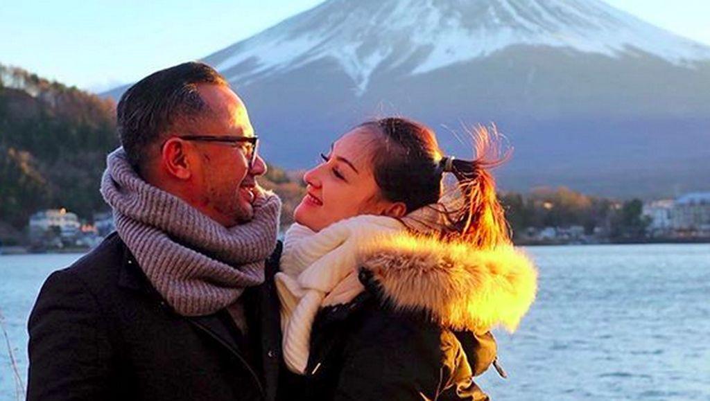 Kunci Awetnya Pernikahan Mona Ratuliu dan Indra Brasco
