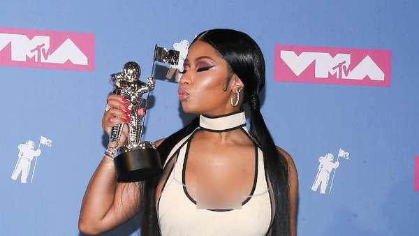 Nicki Minaj Kenakan Dress atau Bikini di MTV VMA 2018?