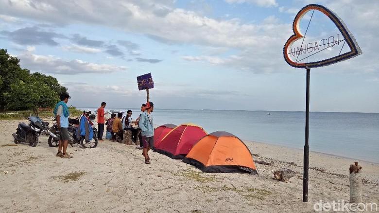 Pantai Nanga Toi di NTB (Faruk Nickyrawi/detikTravel)