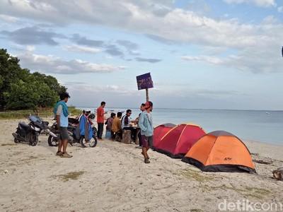 Pantai Pasir Putih Sumbawa yang Bikin Ogah Pulang