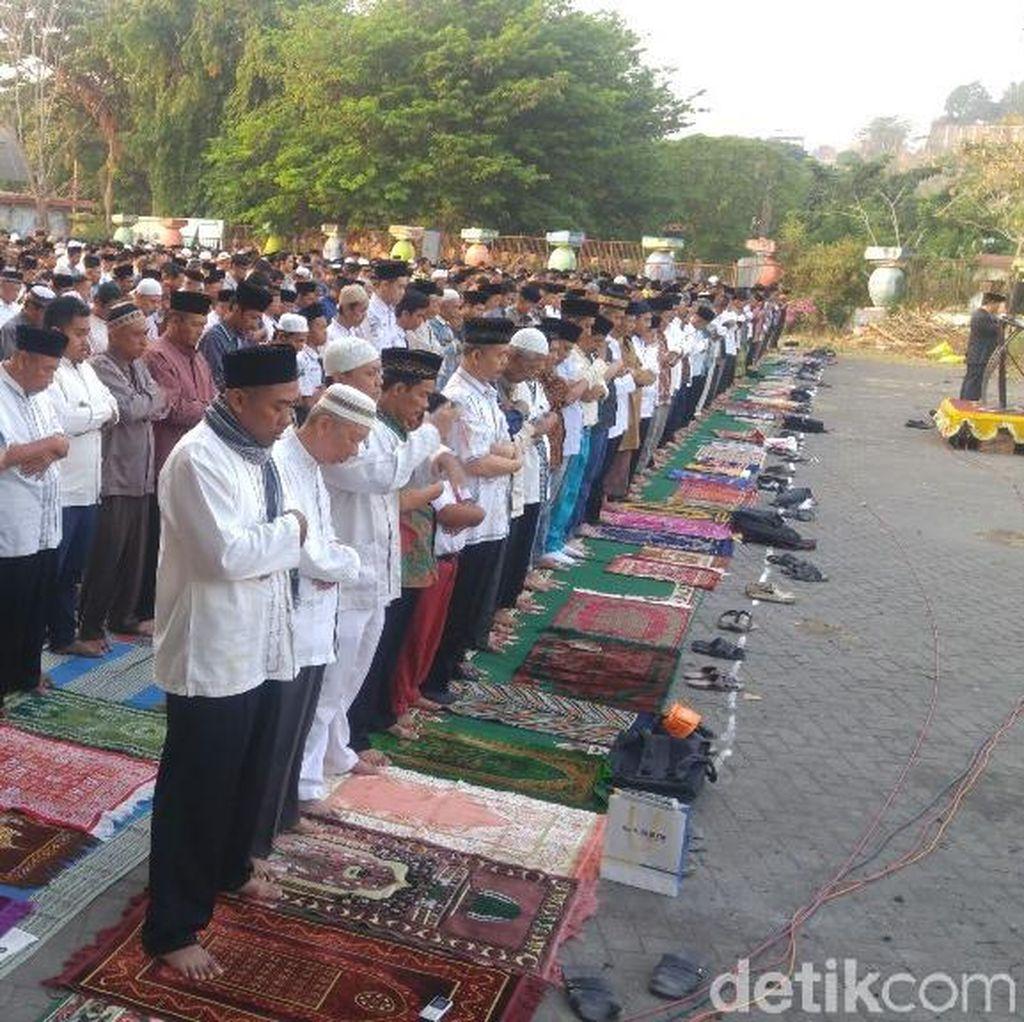 Khusyuknya Salat Idul Adha Hari ini di Semarang