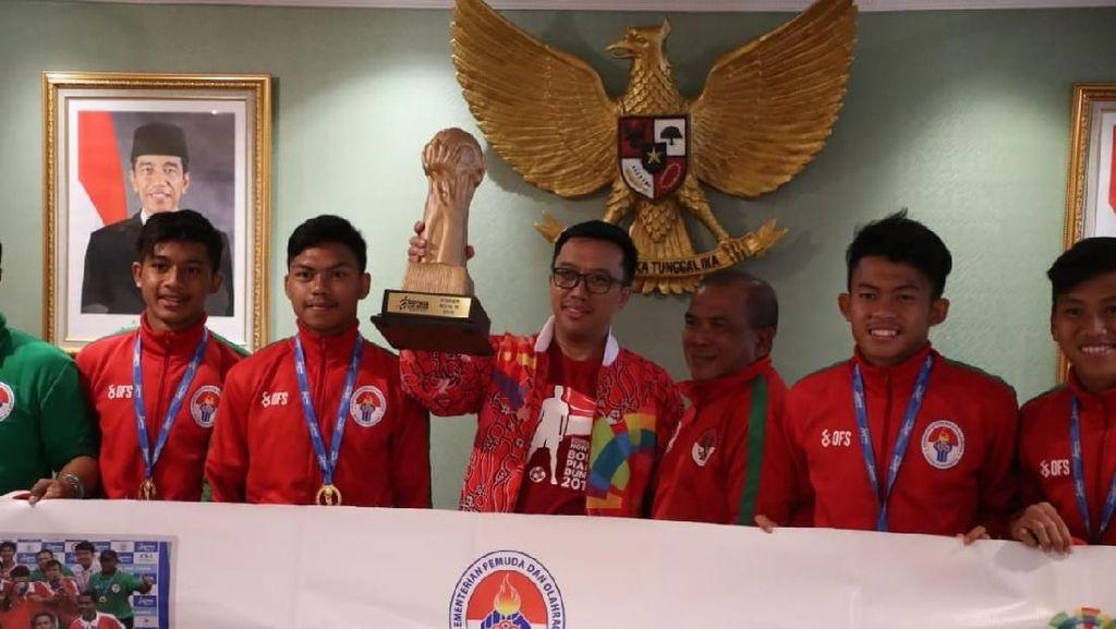 Menpora Ingin U-16 Juara AFF 2018 dan Gothia Cup Adu Tanding