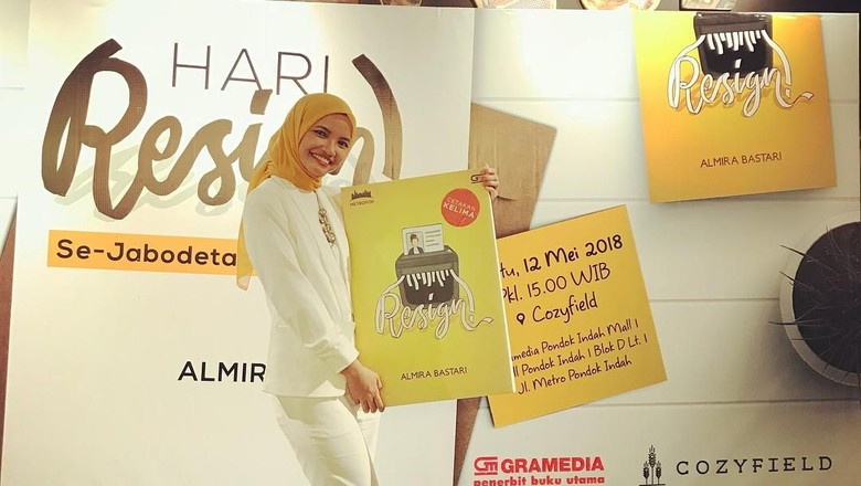 9 Tahun Ditolak Penerbit, Almira Bastari Tuai Pujian di Novel Resign! Foto: Dok.Almira Bastari/ Instagram