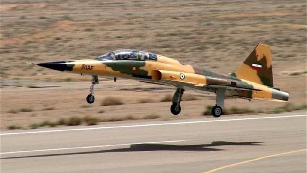 Iran Pamerkan 'Kowsar', Jet Tempur Terbaru Buatan Dalam Negeri
