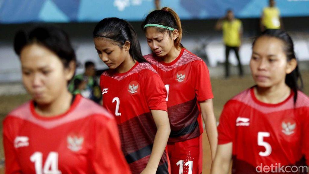Air Mata Timnas Wanita Usai Dibantai 0-12 oleh Korea