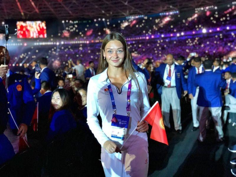 Potret atlet Asian Games 2018 asal Kirgistan jadi viral di media sosial karena kecantikannya. Atlet ini bernama Anuta Bulanova. (Instagram/@anutabulanova)