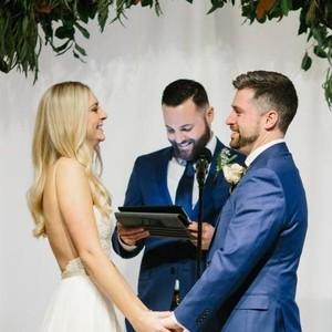 Pengantin Dihujat karena Minta Tamu Pernikahannya Kerjakan Soal Matematika
