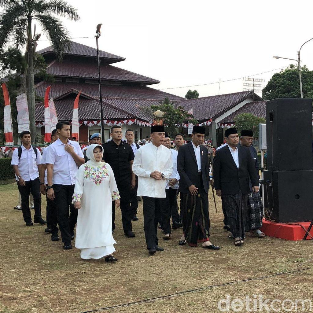 Jokowi Tiba di Lapangan Tegar Beriman, Bersiap Salat Idul Adha