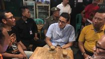 Usai Tonton Asian Games, Sandi Ngopi Bareng Warga di Kemayoran