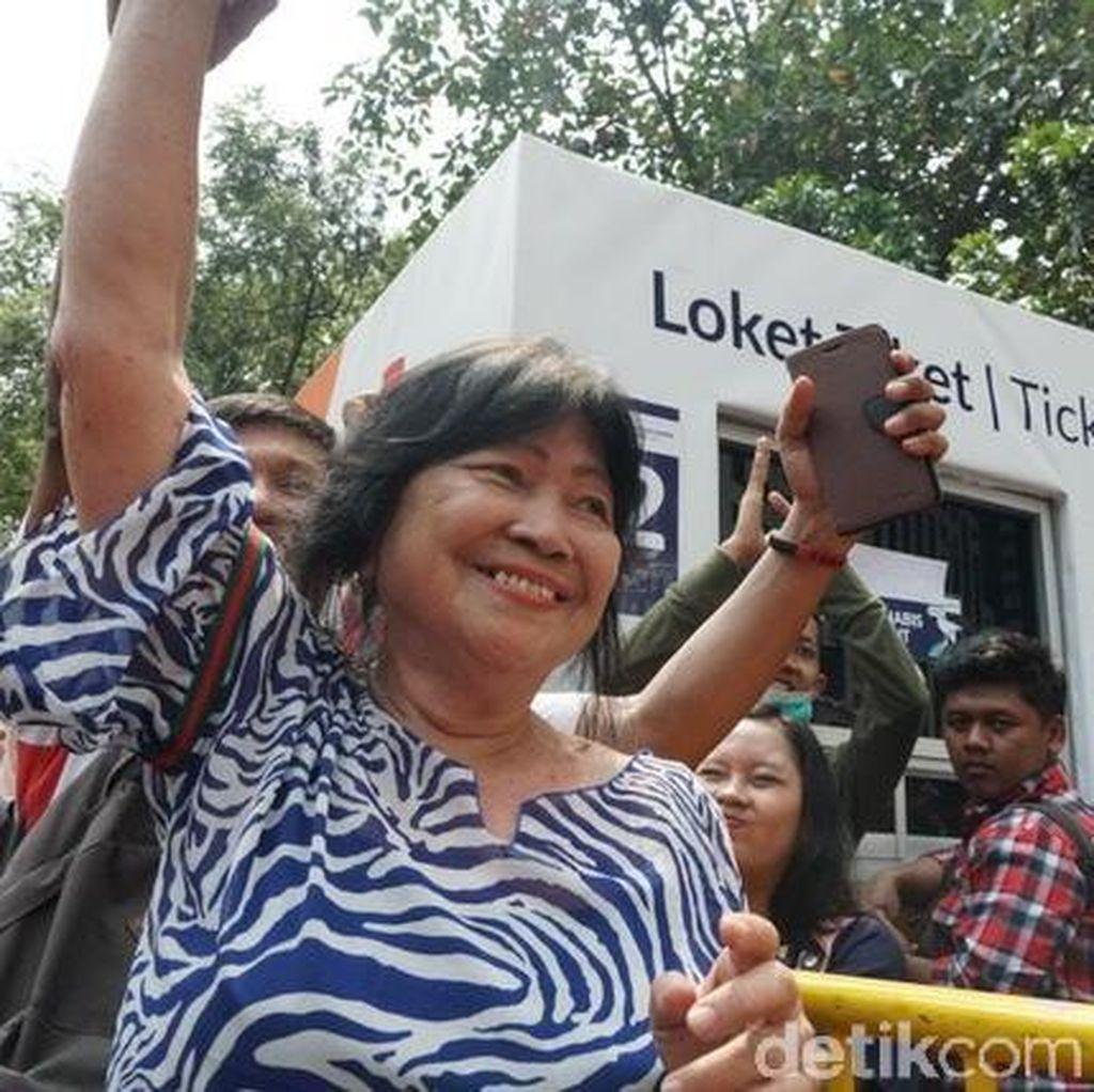 Ikut Antre, Ibu Greysia Polii Kecewa Tak Dapat Tiket Final Bulutangkis