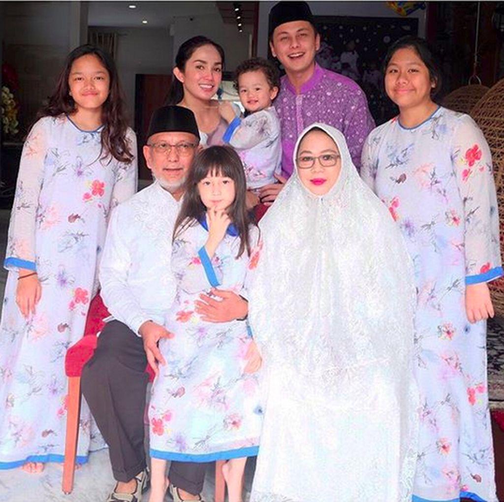 Gaya Selebriti Rayakan Idul Adha
