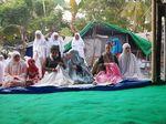 Susi Pudjiastuti Salat Id dan Kurban di Desa Tanjung Lombok