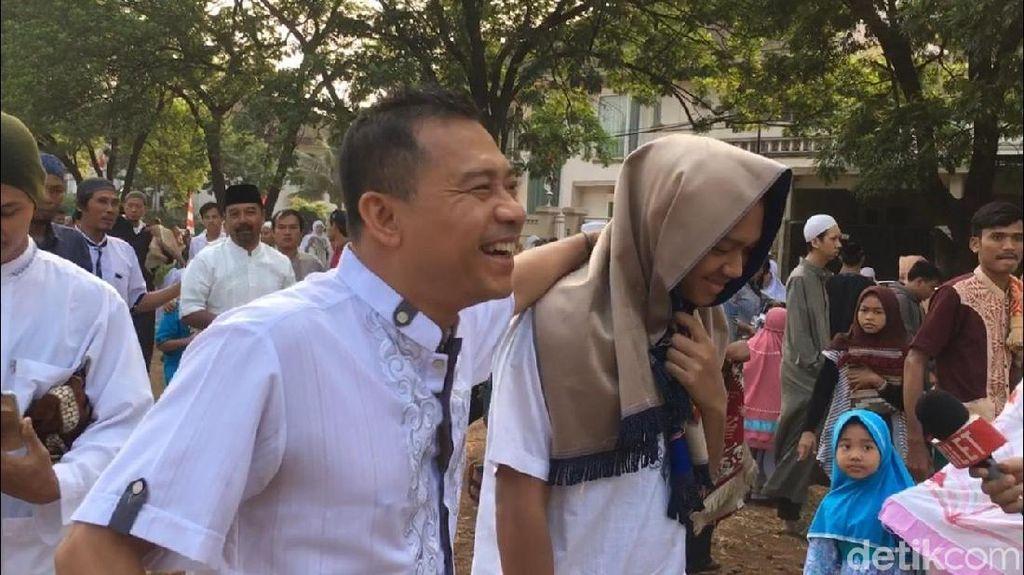 Azriel Hermansyah Tegang saat Potong Kambing Kurban