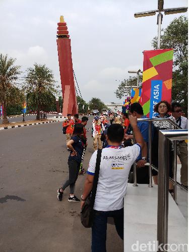 Asian Games 2018: Berebut Naik Shuttle Bus di Jakabaring