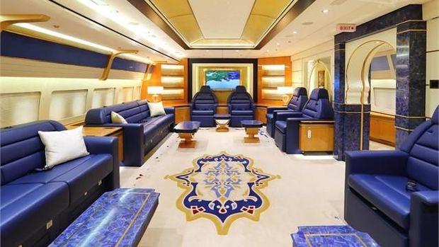 Suasana mewah di dalam pesawat