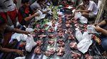 Warga Antre Pembagian Daging Kurban di Jakut