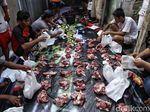 Pemprov DKI Imbau Pembagian Daging Kurban Pakai Besek Bambu
