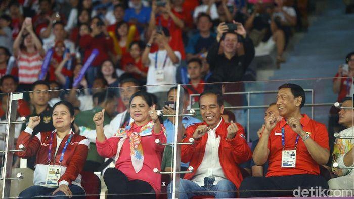 Joko Widodo menyaksikan Asian Games 2018 (Grandyos Zafna/detikSport)