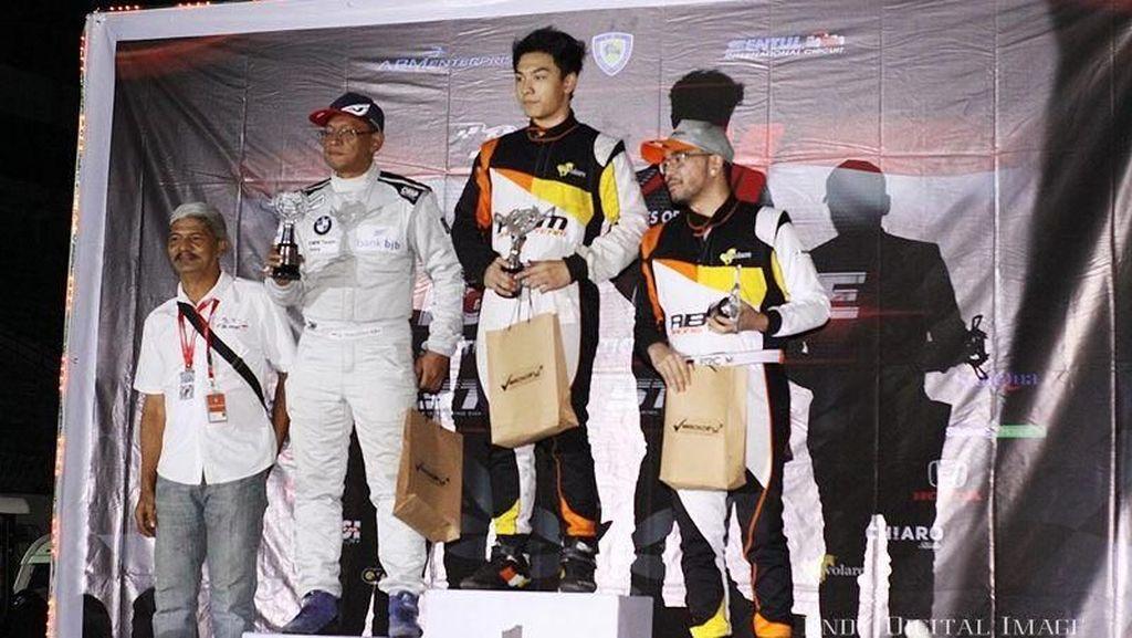 ABM Motorsport Boyong Sembilan Trofi Juara di ISSOM Seri Keempat