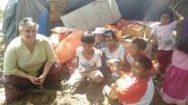 Relawan Australia Bantu Korban Gempa Lombok Meski Sama-sama Kesusahan
