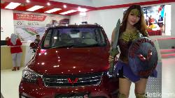 Ada Wonder Woman Beraksi di GIIAS Makassar