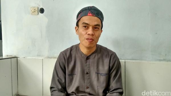 Juru kunci Nusa Gede Situ Lengkong, Abdul Azis mengatakan air zam-zam di sini dipercaya memberikan keberkahan. Namun itu hanya perantara saja, karena tetap dibutuhkan usaha mencari ridho yang maha kuasa. (Dadang/detikTravel)