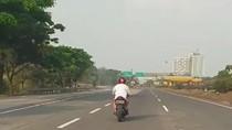 Viral Pemotor Nekat Masuk Jalan Tol Bekasi, Polisi: Pelaku Sudah Disanksi