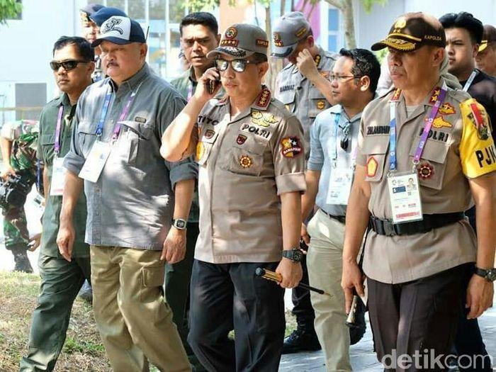 Kapolri Tito Karnavian saat meninjau Asian Games 2018 di Palembang. (Foto: Raja Adil Siregar/detikcom)