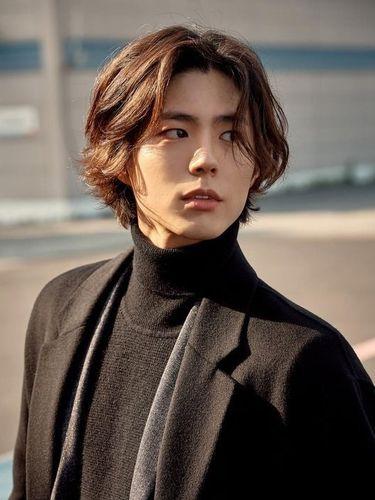 Begini Penampilan Park Bo Gum dengan rambut Gondrong!
